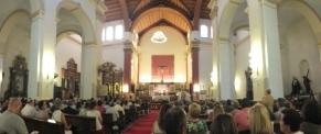 Aspecto iglesia misa Miguel